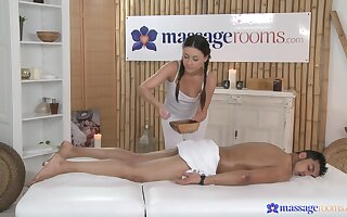 Fine masseuse wants the man's cock in perfect shape