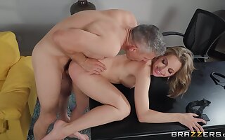 I want Kimmy Granger to goat my beamy hungry penis too