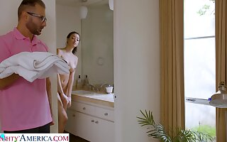 Stepdad screws Scarlett after spying on her in the shower